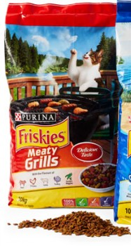 Friskies-Dry-Cat-Food-10kg-Meaty-Grills on sale