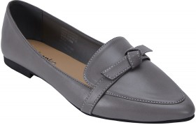 Pointed-Flats on sale