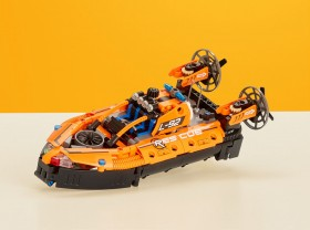 LEGO-Technic-Rescue-Hoover-Craft-42120 on sale